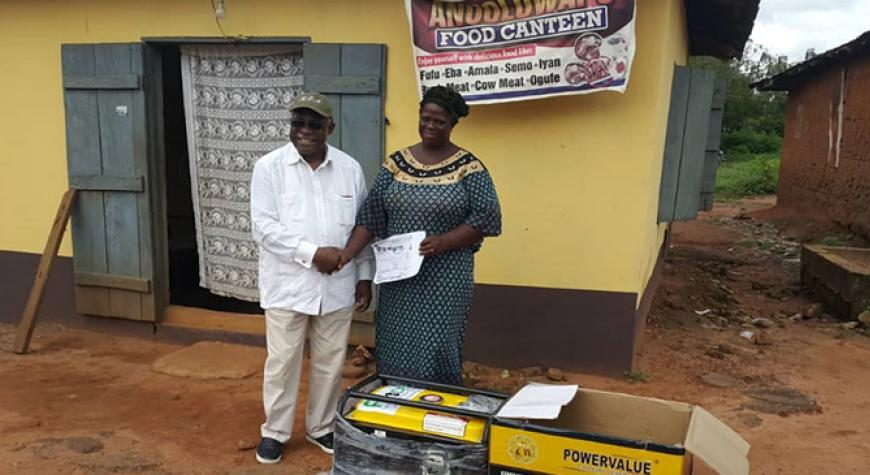 Ms Salimot Jayeola and Dr Nwanze-Beneficiary in Joga Orile